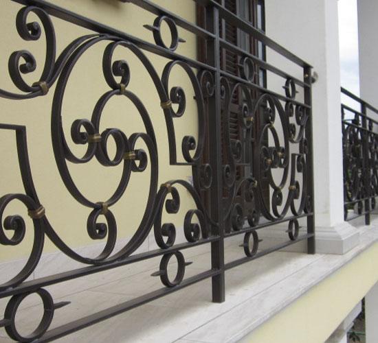 Balcone-ferro-battuto